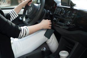 khởi động xe ô tô