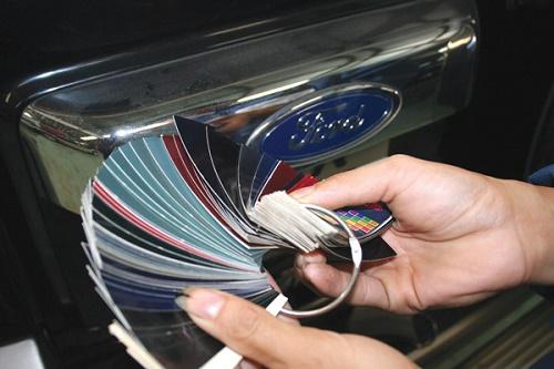 Chọn màu sơn ô tô