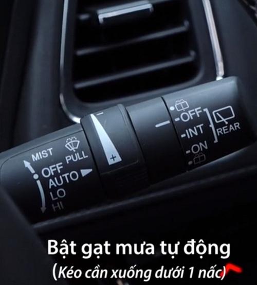 cách sử dụng cần gạt nước ô tô