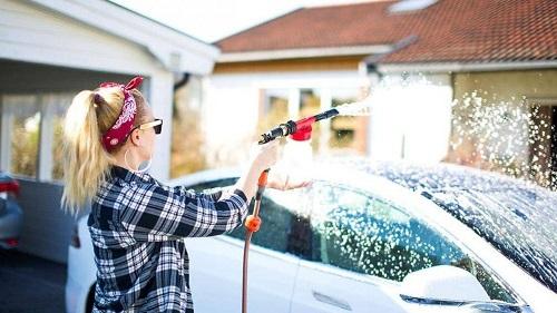 cách rửa xe ô tô tại nhà