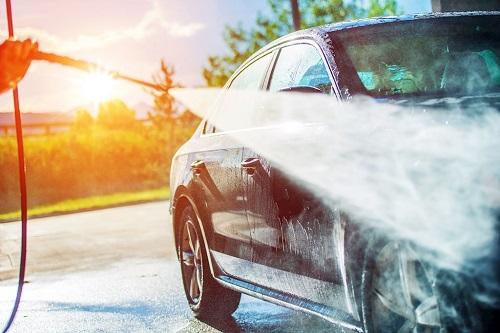 Không rửa xe khi trời nắng