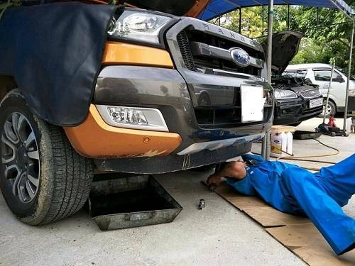 sửa chữa xe ô tô tại nhà